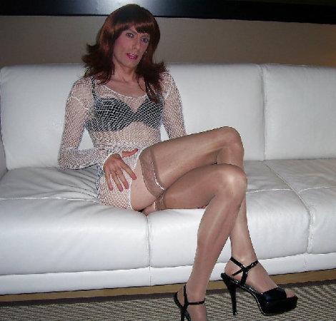 Plain nude women hairy pussy